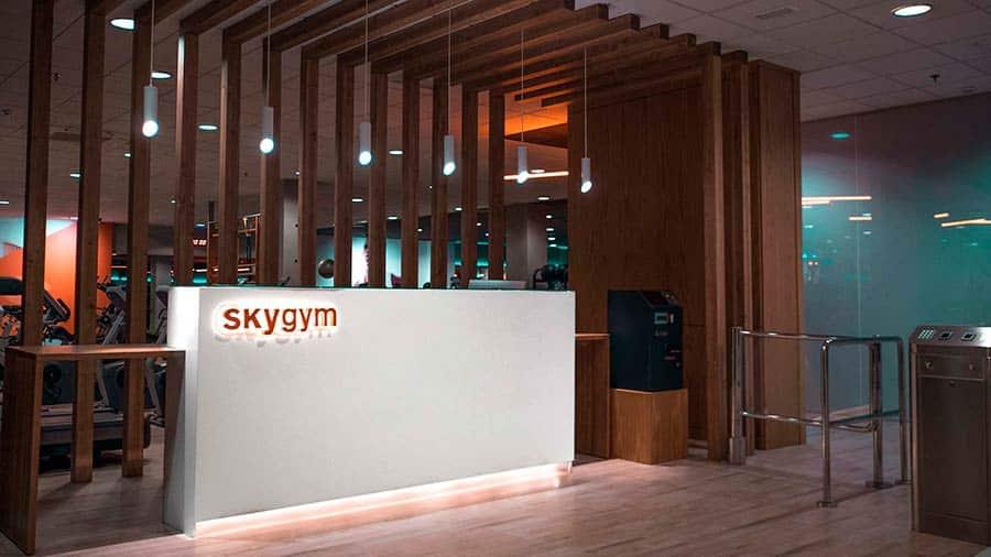 Recepción Skygym - Gimnasio en Alcorcón